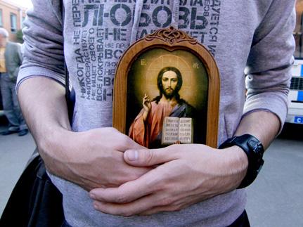 Общественное мнение меняется в пользу закона о защите чувств верующих