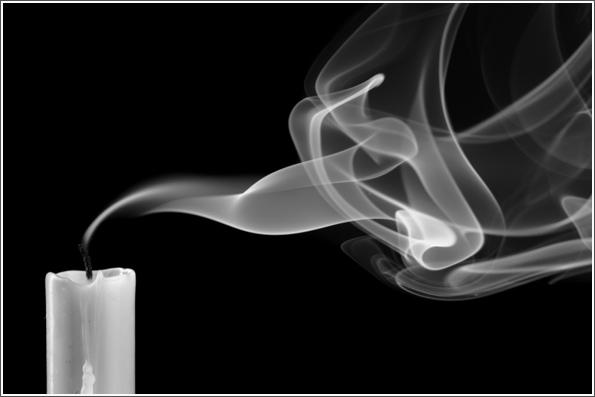 Почему идет черный дым от церковной свечи